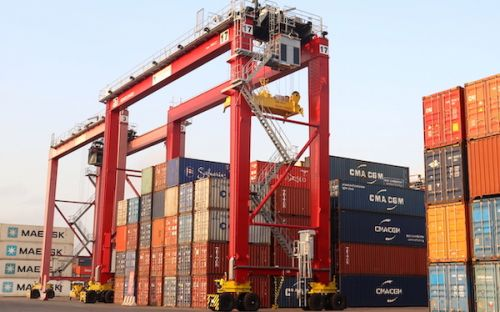 Congo Terminal takes delivery of two new yard gantries