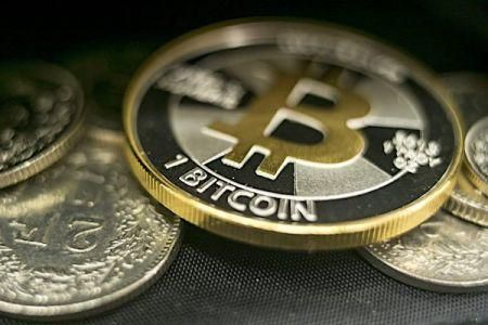 bitcoin-exceeds-60-000-again