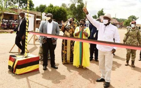 uganda-inaugurates-the-chinese-built-road-that-will-serve