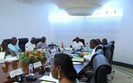 burkinabe-government-invests-1-9-billion-cfa-francs-to-distribute-laptops-to-10-013-students