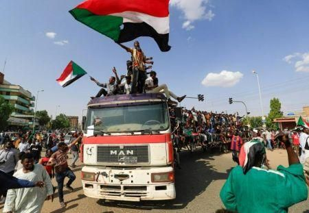 sudanese-pm-arrested-in-an-apparent-coup-international-community-calls-for-peace
